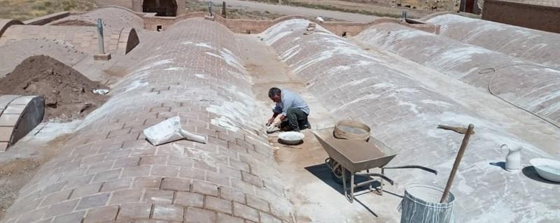 پشت بام مسجد جامع خضری دشت بیاض بازسازی شد