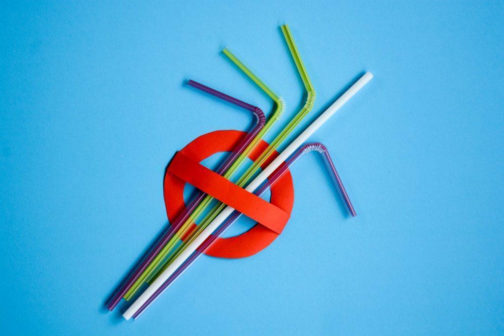 کانادا تا سال 2021 لوازم پلاستیکی یکبار مصرف را ممنوع می نماید