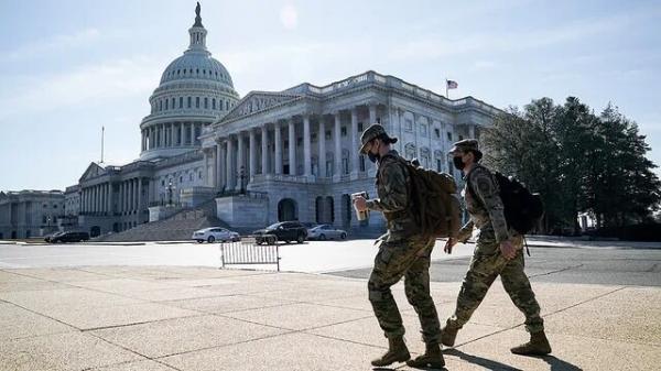 خبرنگاران اعتراض نمایندگان آمریکا به حضور گارد ملی در اطراف کنگره با هزینه سنگین